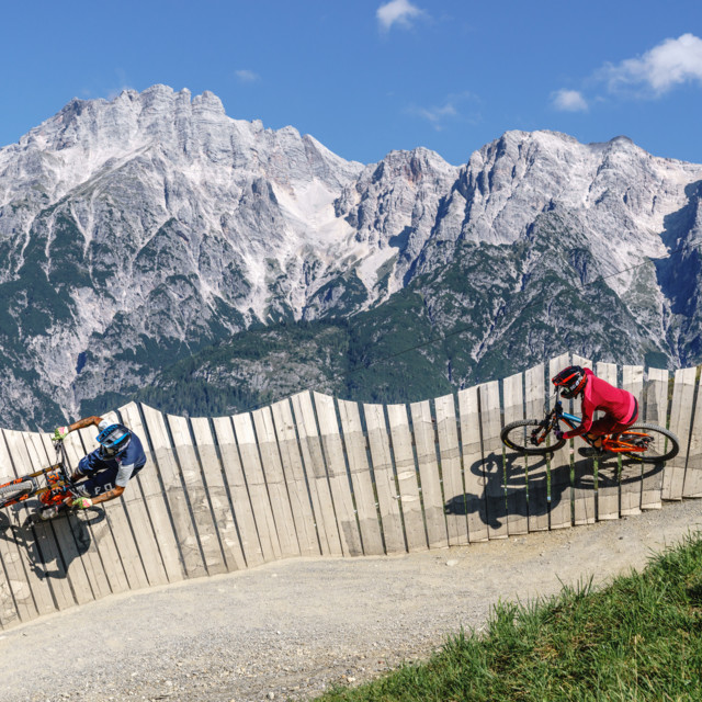 Mountainbike Abfahrt über den Flying Gangster