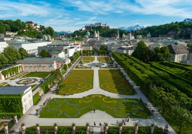 Los bellos jardines de Mirabell en Salzburgo