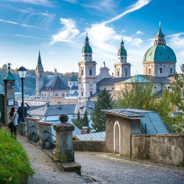 Mönchsberg beim Stieglkeller mit Blick auf den Dom