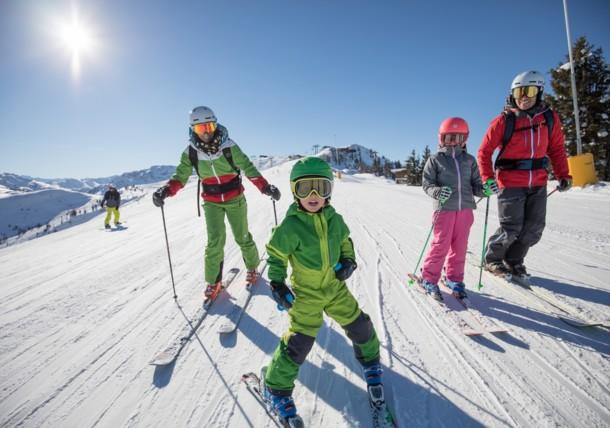 Family skiing in Ski Juwel Alpbachtal Wildschönau