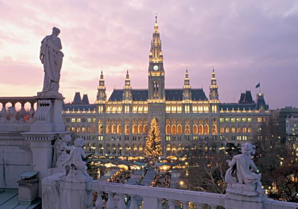 Christmas market Vienna town hall