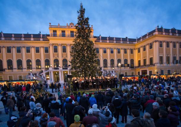 Christmas Market at Schoenbrunn Palace