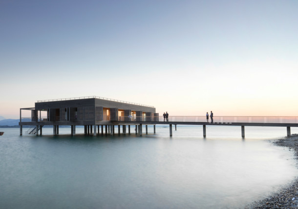 Domek nad hladinou Bodamského jezera