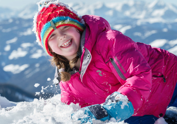 Meisje in de sneeuw