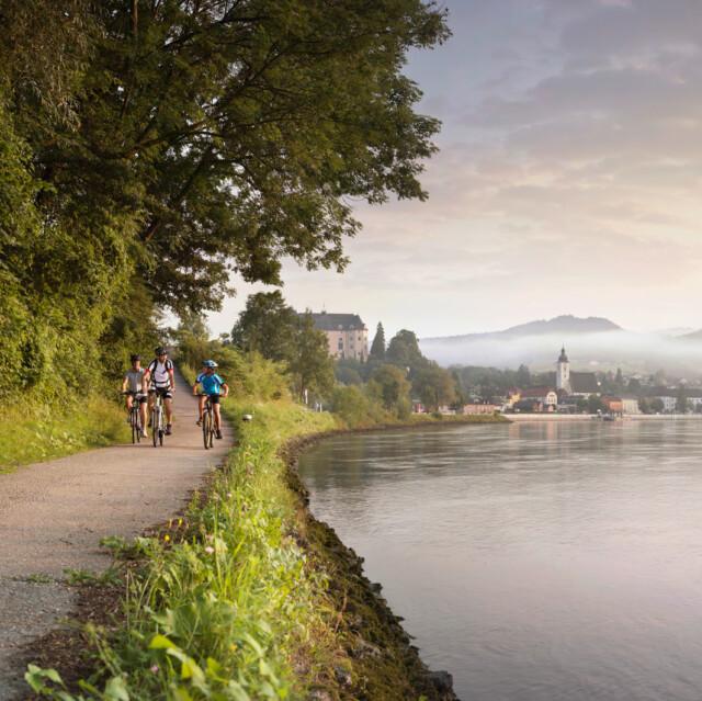 E-Biken entlang des Donauradwegs