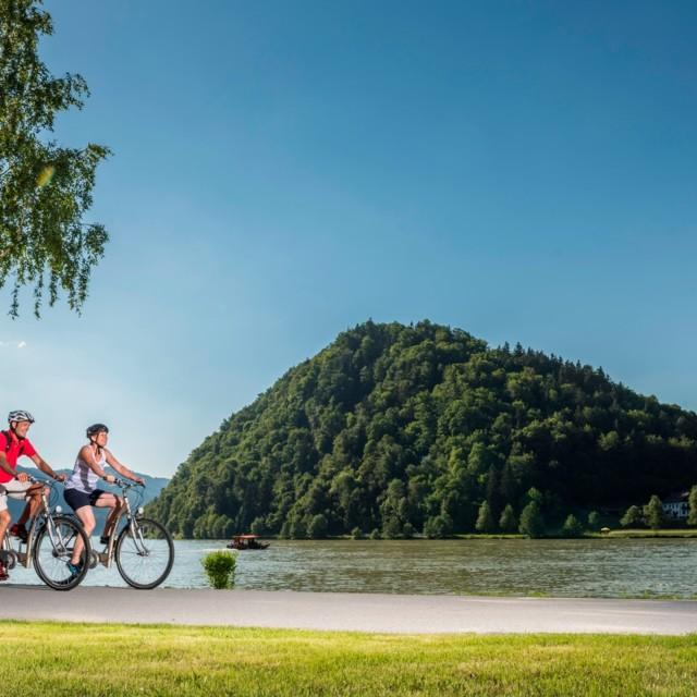 Am Donauradweg bei Schlögen