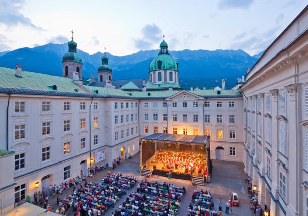 Promenadenkonzert im Innenhof der Hofburg Innsbruck