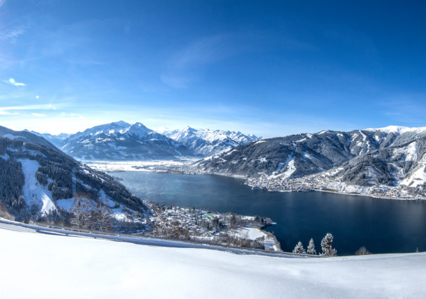 Snow-covered winter landscape with a breathtaking view at Lake Zell