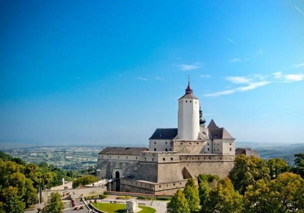 Außenansicht der Burg Forchtenstein