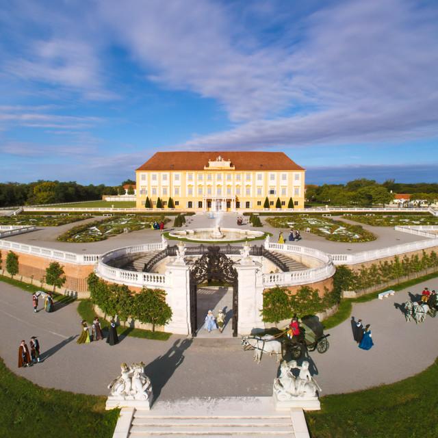 Schloss Hof, Neptunbrunnen und Reiter