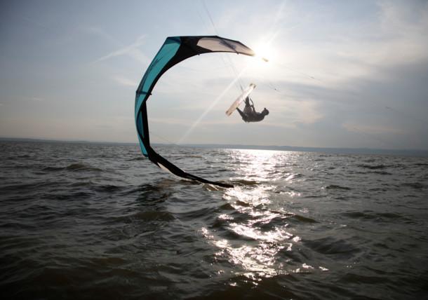 Surfař na kite - Neziderské jezero, Burgenland
