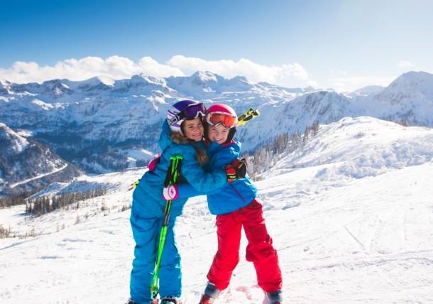 Family skiing in Ski Amadé ski area