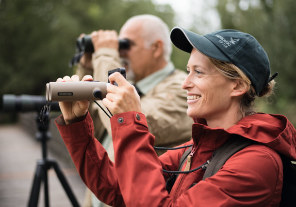 Woman with EL32 binoculars