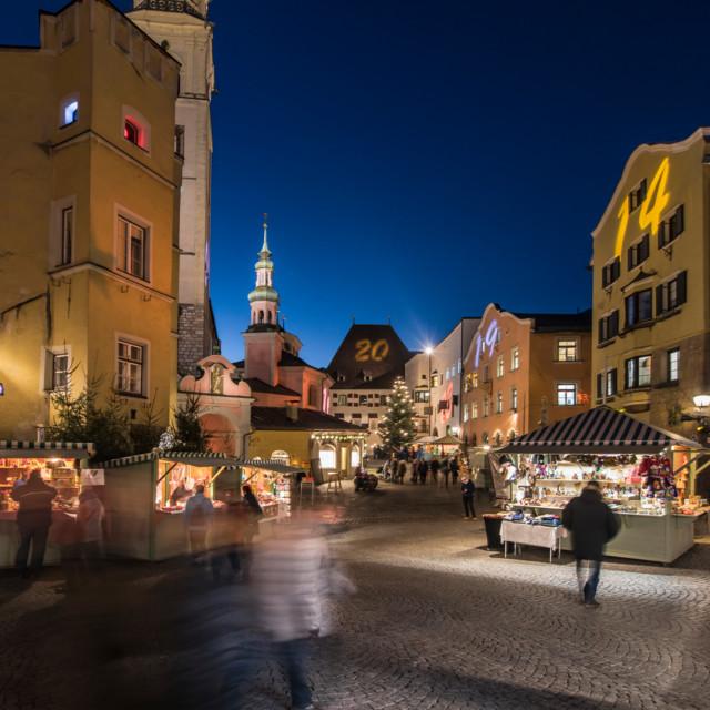 Adventmarkt in der Altstadt von Hall in Tirol
