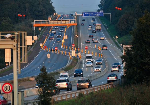 Autopista y signos