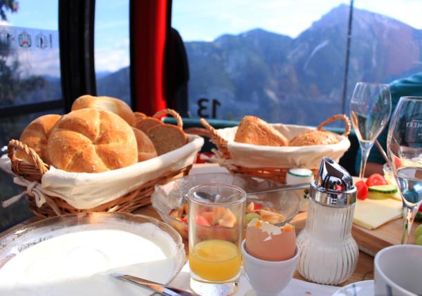 Breakfast inside the gondola
