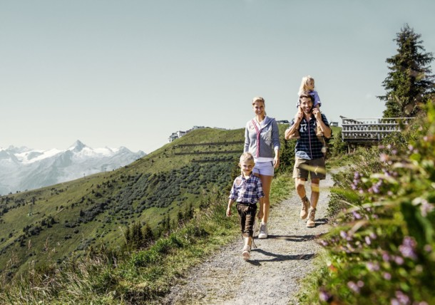 Family Hike on the Schmittenhoehe