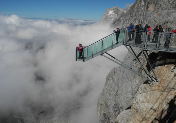 Staircase to nowhere - Dachstein glass staircase