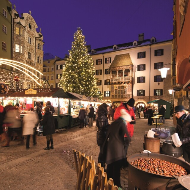 Christkindlmarkt vorm Goldenen Dachl, Altstadt