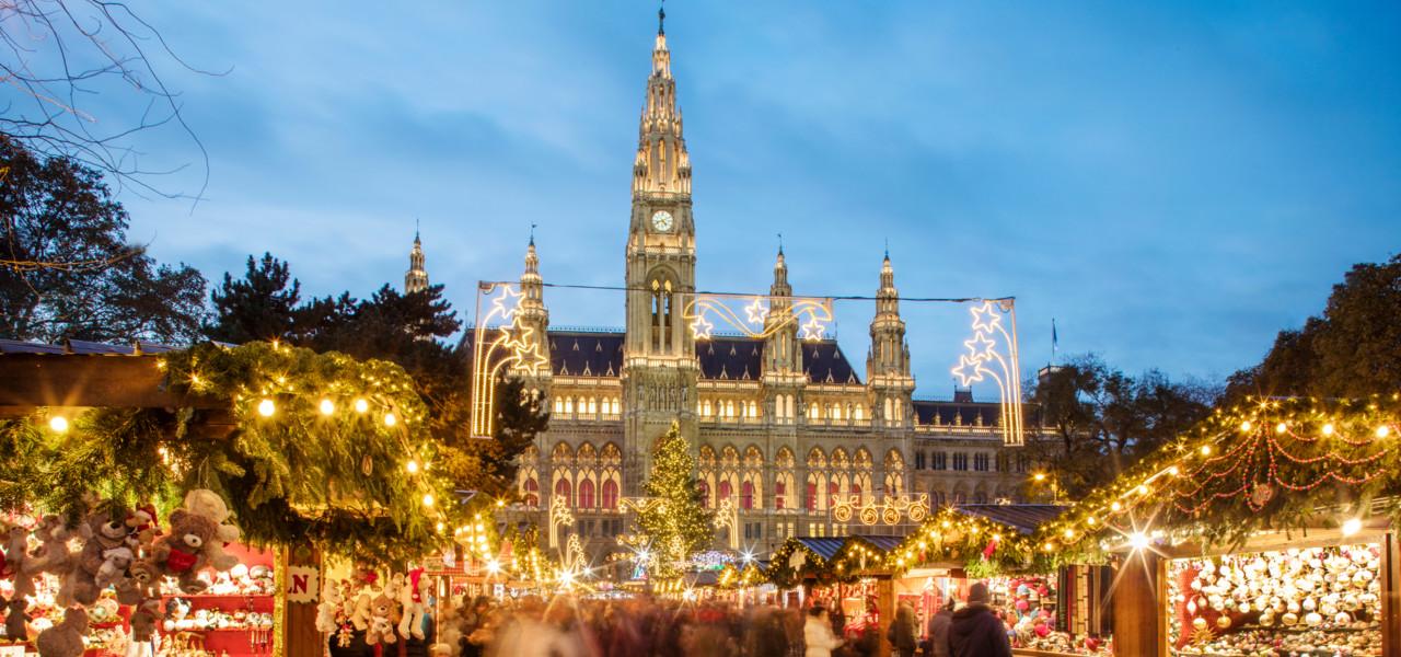 Adventmarkt in Wien / Rathausplatz