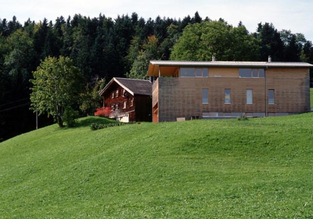 Alte und neue Holzbauarchitektur im Bregenzerwald