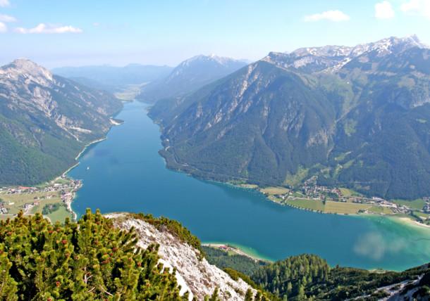 Vue fascinante sur le lac d'Achen