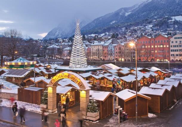 Mercado de Navidad en Marktplatz - plaza del mercado en Innsbruck