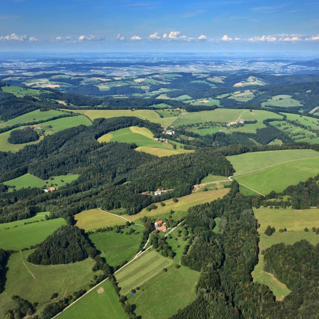 Luftaufnahme vom Wienerwald / Niederösterreich