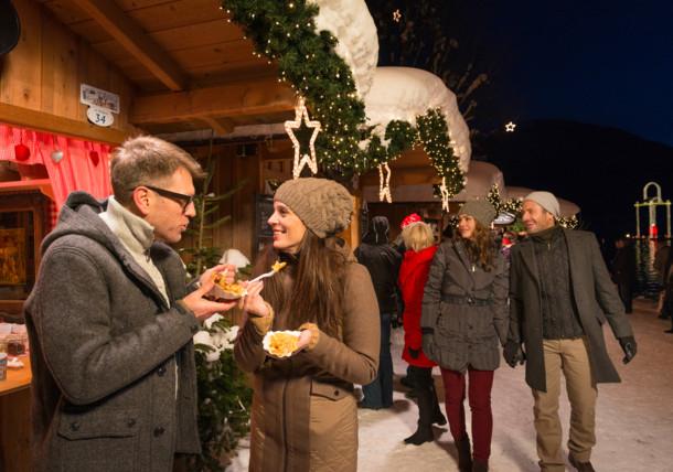 Mercado de Navidad en lago de Wolfgangsee
