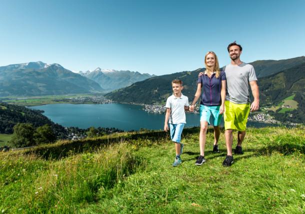 Auf Familien warten einzigartige Erlebnisse bei atemberaubender Landschaft zwischen Gletscher, Bergen und See