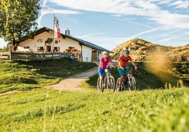 E-bikers on the Huberalm alpine pasture
