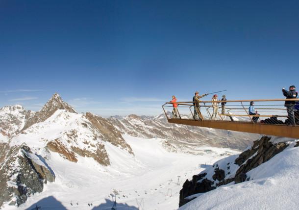 "Gipfelplattform ""Top of Tyrol"" am Stubaier Gletscher in Tirol"