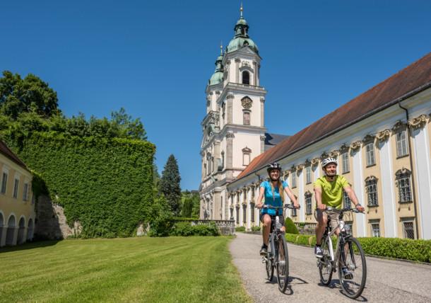 Donauradweg in Oberösterreich, Stift St. Florian