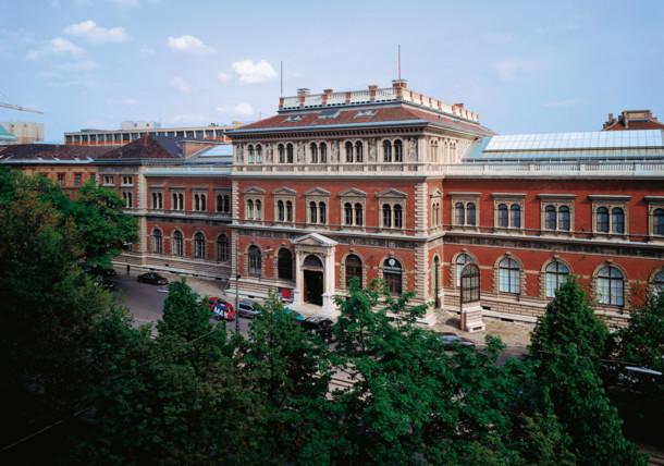 Muzej primijenjene umjetnosti, pogled sa Stubenringa