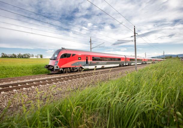 Mit dem ÖBB Railjet beeindruckende Landschaften genießen