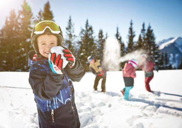 Vidám téli kalandok gyermekeknek, Saalbach Hinterglemm Leogang Fieberbrunn sícirkusz