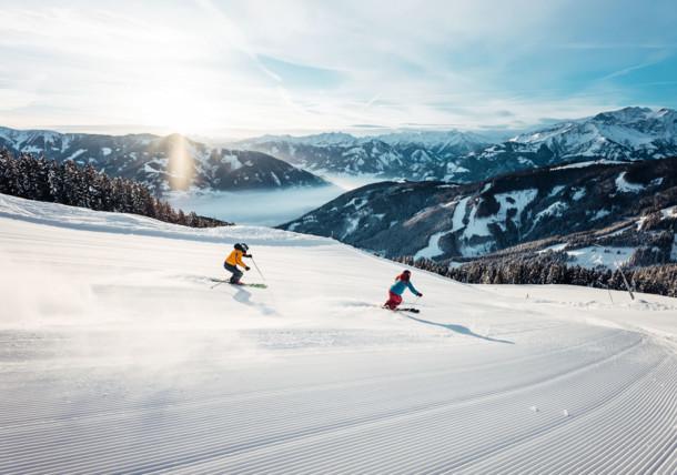 Ski´n´Brunch skiing at sunrise on Schmittenhöhe