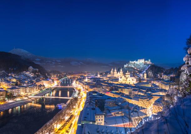 Salzburg, pohľad na mesto v zime