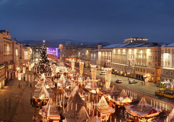 Christkindlmarkt am Linzer Hauptplatz