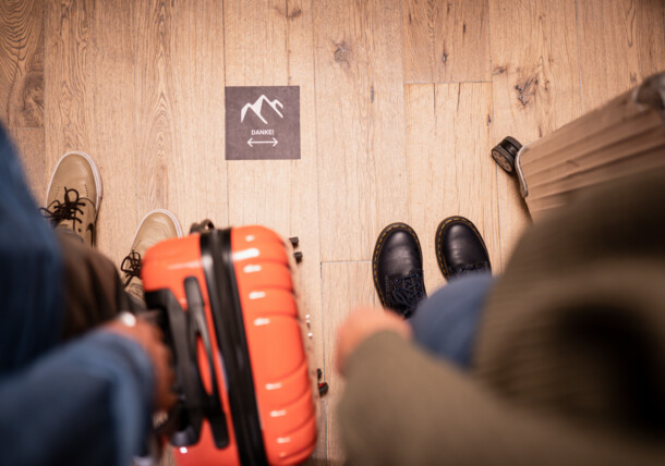 COVID19 safety measures at the hotel check-in in Austria's ski resorts